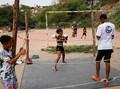 FOTO: Tinju Menyelamatkan Anak-anak Sao Paulo