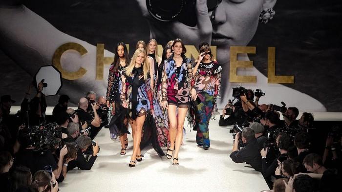 6 Fakta Menarik dari Fashion Show Chanel yang Sarat Nostalgia, Makin Heboh dengan Kehadiran Jennie BLACKPINK