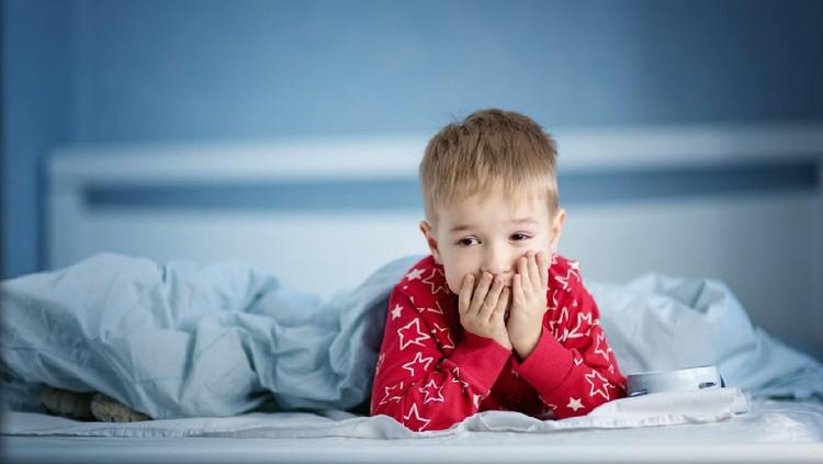 Ilustrasi anak sakit atau muntah di malam hari