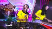 <p>Menjadi seorang DJ tentu tak semudah yang dibayangkan, Bunda. Untungnya, peran Ceking ini memiliki sosok yang sangat menginspirasinya yakni Martin Garrix. (Foto: YouTube TRANS TV Official)</p>