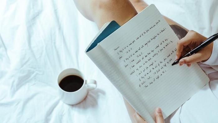 Fakta Kepribadian: Cari Tahu Karakter Seseorang Lewat Gaya Tulisan Tangannya, Kamu Gimana?