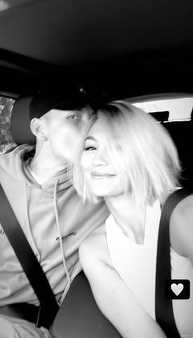 Agnezmo dan sang kekasih Adam Rosyadi diketahui sedang berada di Los Angeles. Yuk intip momen mesra mereka!