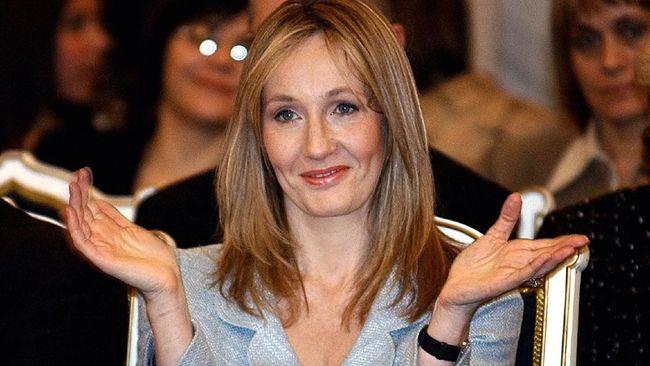 JK Rowling merilis buku cerita natal untuk anak-anak berjudul The Christmas Pig berdasarkan cerita temuannya di masa lockdown.