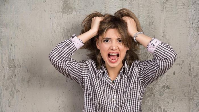 Ini 'Jurang Bahaya' Saat Kamu Terbiasa Mengikat Rambut Saat Tidur, Jangan Lagi Dilakukan ya!