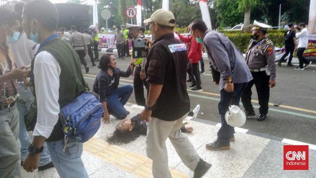 Usai Rekannya Dibanting Polisi Saat Demo, Mahasiswa Bikin Pernyataan Sikap