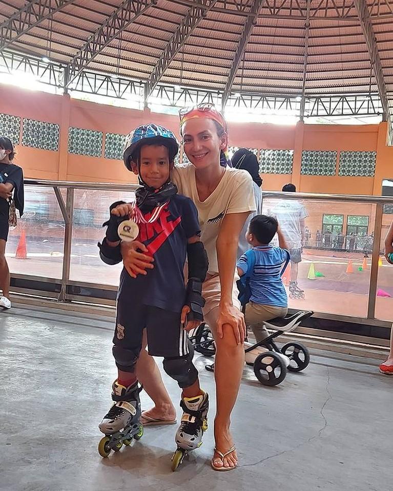 Wanda Hamidah memiliki seorang putra dengan mantan suaminya, Daniel Patrick yang bernama Malakai. Yuk intip potretnya!