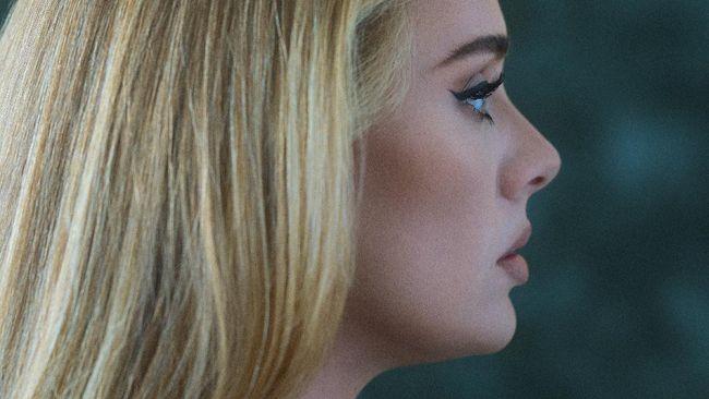 Adele mengumumkan album terbarunya, 30, akan rilis pada 19 November 2021. Ia juga mengungkapkan perjalanan panjang dan perasaannya jelang perilisan album.