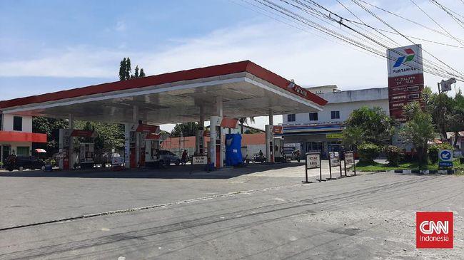 Pertamina Patra Niaga menuturkan pasokan BBM di SPBU Sumut langka karena masalah cuaca dan kapal pengangkut minyak terlambat datang.