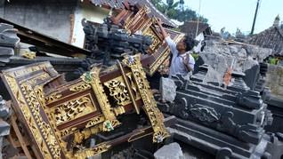 FOTO: Reruntuhan Saksi Gempa Dini Hari di Pulau Bali