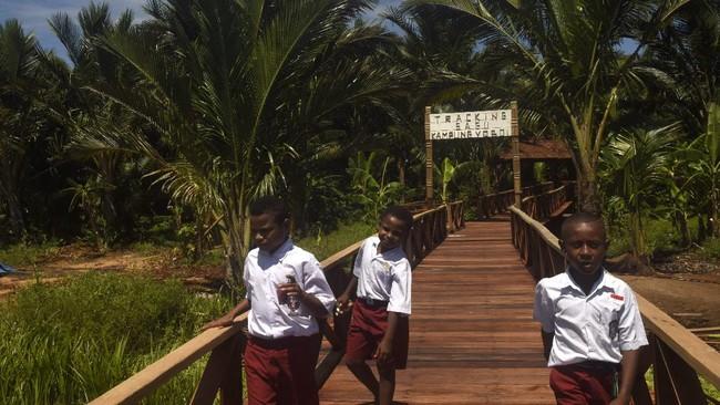 FOTO: Menengok Kearifal Lokal Desa Wisata Yoboi Papua