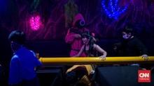 FOTO: Keseruan Makan Sambil Main Squid Game di Jakarta