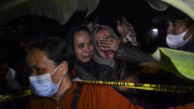 FOTO: Tragedi Susur Sungai Cileuer, Telan 11 Nyawa Siswa