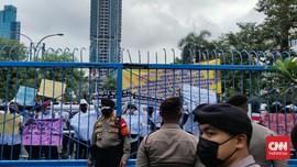 Diguyur Hujan, CPMI Demo Minta Buka Lagi Penempatan di Korsel