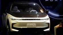 Perakit iPhone Pamer Prototipe Kendaraan Listrik