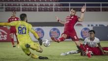 FOTO: PSM Tekuk Bali United, Arema Kalahkan Persija
