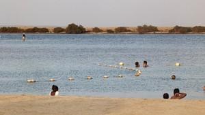 Pantai di Saudi Izinkan Bikini hingga Transpuan Jenderal AS