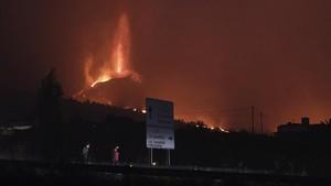 FOTO: Cumbre Vieja, Gunung Api yang Terus Erupsi di Spanyol