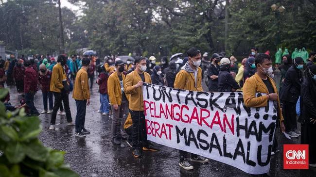 Demo di Sejumlah Kota, Jokowi Resmikan Pabrik di Kalsel