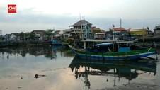 VIDEO: Kapal Meledak di Tengah Laut, 10 Nelayan Luka Bakar