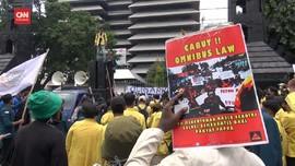 VIDEO: Mahasiswa Semarang Gelar Sidang Rakyat untuk Jokowi