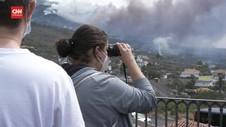 VIDEO: Turis Berdatangan Lihat Erupsi Gunung Cumbre Vieja