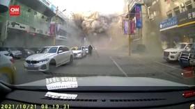VIDEO: Gas Restoran Meledak, 3 Orang Tewas dan Puluhan Luka