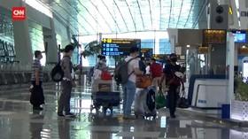 VIDEO: Penumpang Keberatan Naik Pesawat Terbang Harus Tes PCR