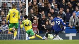 Hajar Norwich 7-0, Chelsea Bikin Liverpool Tertekan