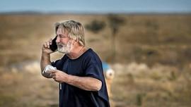 Demi Penyelidikan, Produksi Film Rust Ditangguhkan Sementara
