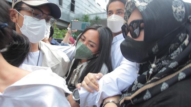 Kodam Jaya Ungkap Peran 2 Oknum TNI Bantu Rachel Vennya Kabur