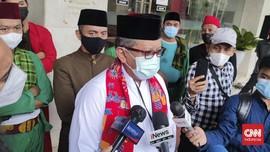 Hasto Siap Rogoh Kocek Beri Beasiswa Kajian Jokowi Vs SBY