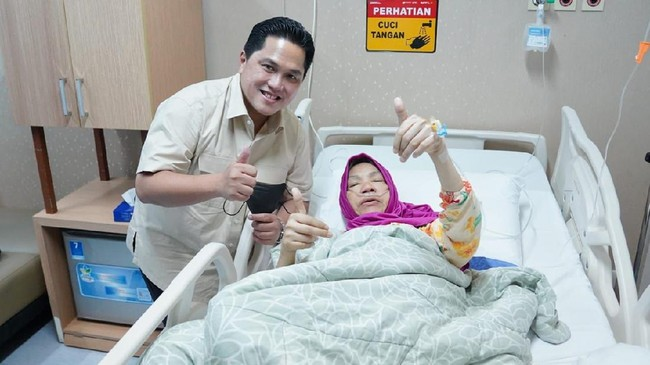 Erick Thohir Jenguk Presenter Dorce Gamalama di Rumah Sakit