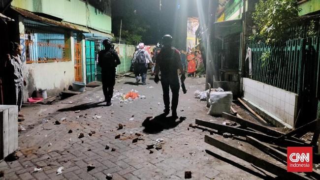 Tawuran Pemuda Belakang Mapolsek Makassar, Warga Kena Panah
