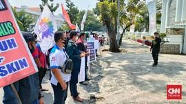 Demo Buruh di Medan Tuntut UMP dan UMK Naik 10 Persen