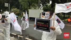 Massa Bertopeng Guy Fawkes Demo di Kemenag Kritik Keras Yaqut