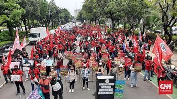 Polisi Tutup Dua Ruas Jalan Imbas Demo Sekitar Istana