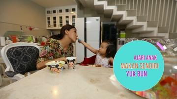 Ajari Anak Mandiri dengan Makan Sendiri