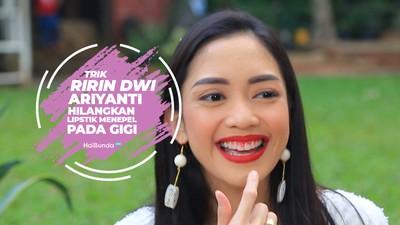 Kiat Ririn Dwi Ariyanti Hilangkan Noda Lipstik di Gigi